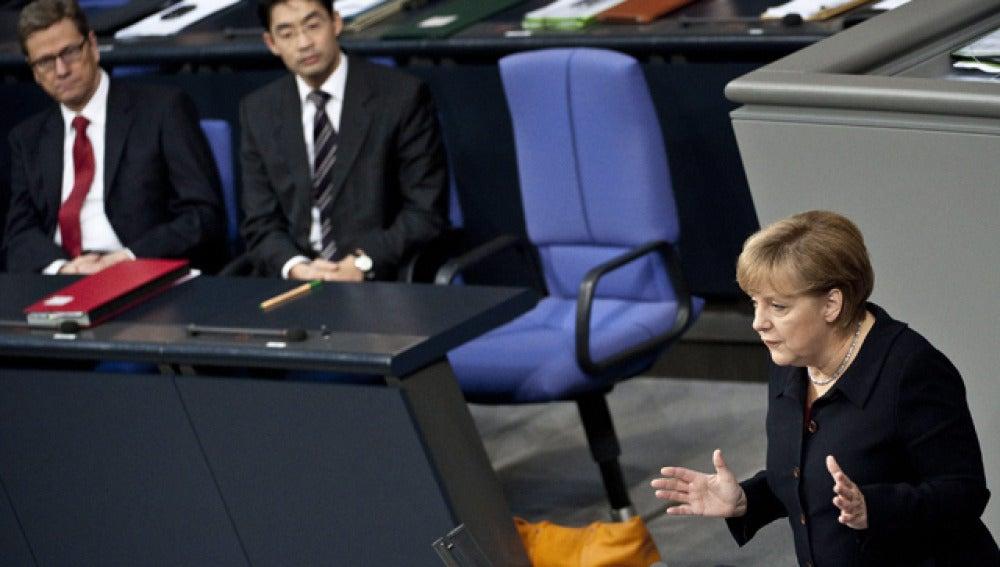Merkel, ante el Parlamento