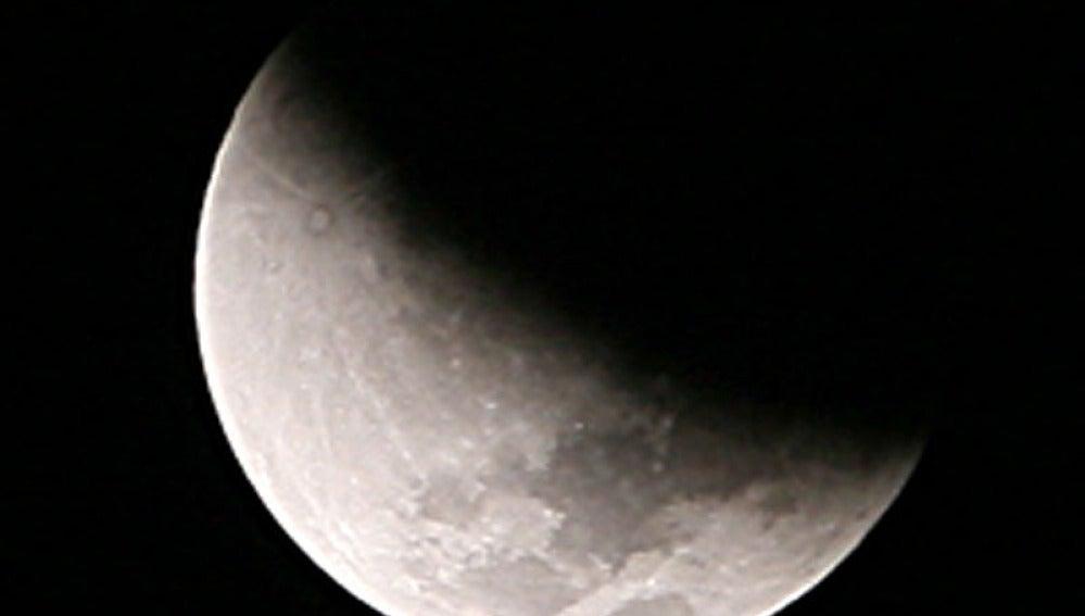 Último eclipse total de luna de 2011