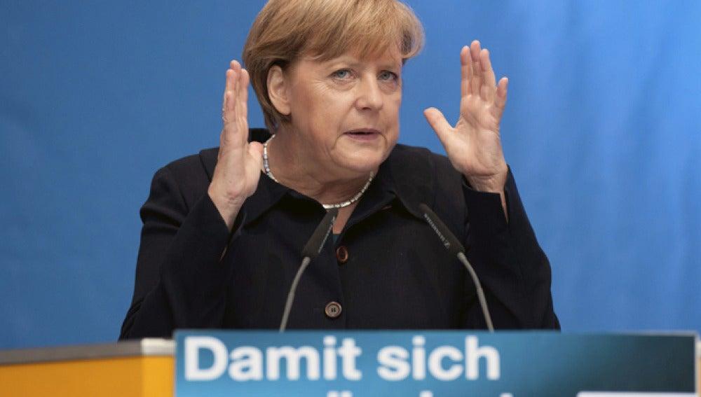 Merkel rechaza las especulaciones sobre la insolvencia de Grecia