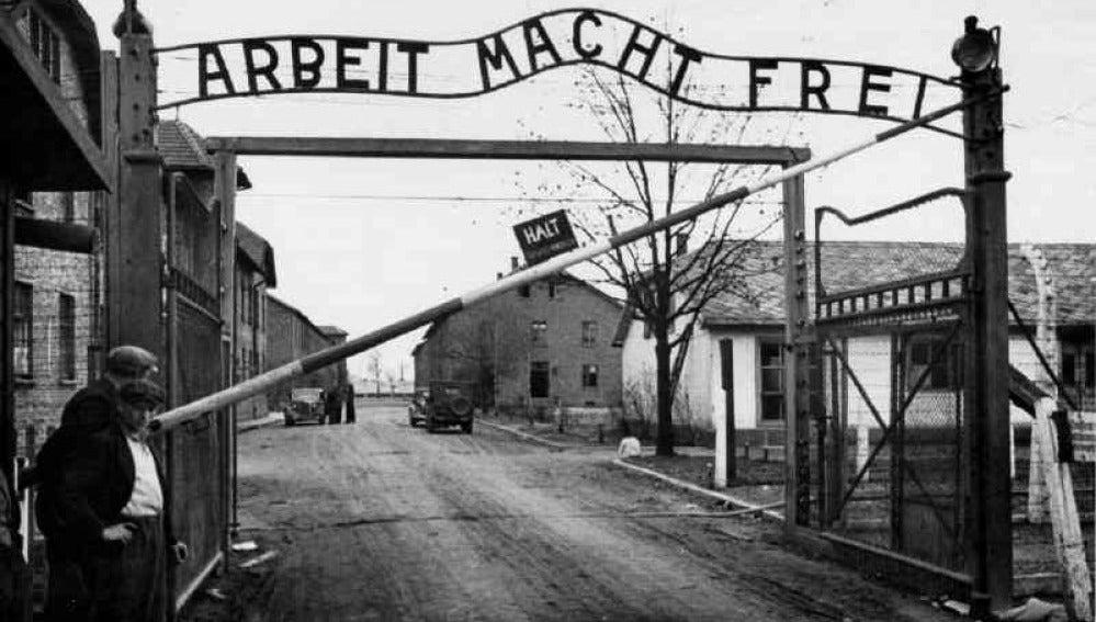 Entrada a Auschwitz