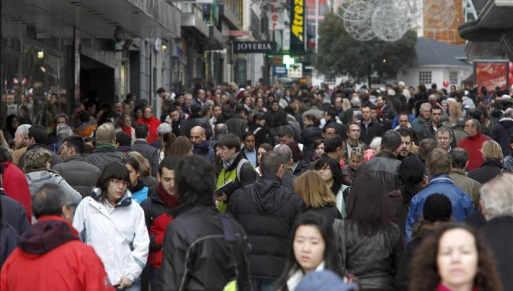 Calles llenas de gente en el centro de Madrid
