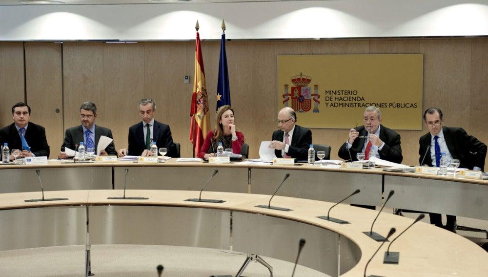 Cristóbal Montoro, durante la reunión con los consejeros de Hacienda