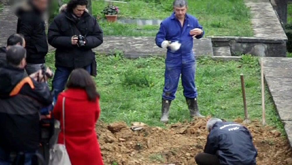 Exhumación de una tumba