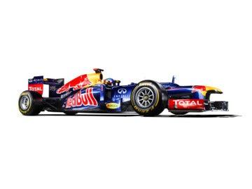 Vettel y Webber presentan el RB8, la cuarta generación del invicto Red Bull