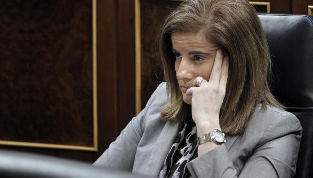 Fátima Báñez en el Congreso de los Diputados