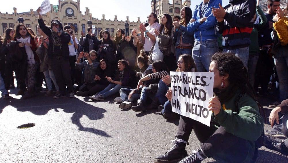 Un grupo de estudiantes manifestándose