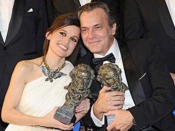 Elena Anaya y José Coronado, con el Goya