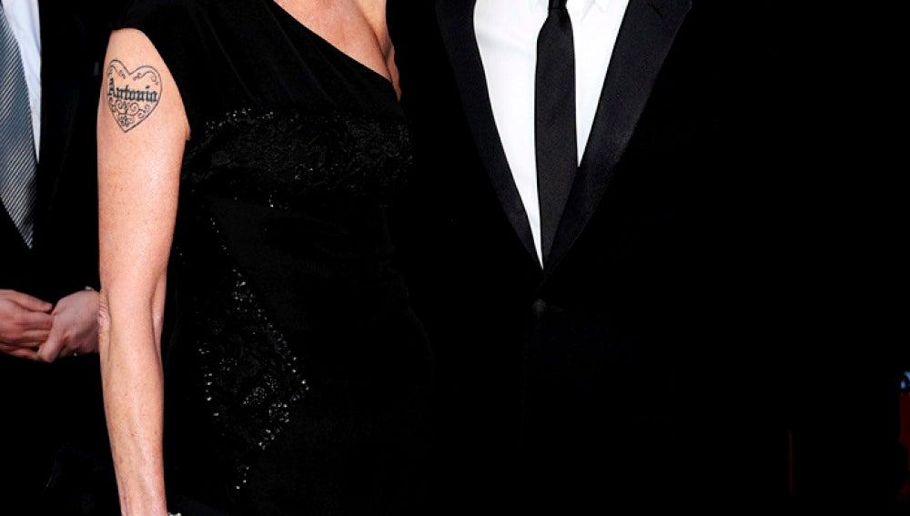 Antonio Banderas dirigirá a Melanie en 'Akil'