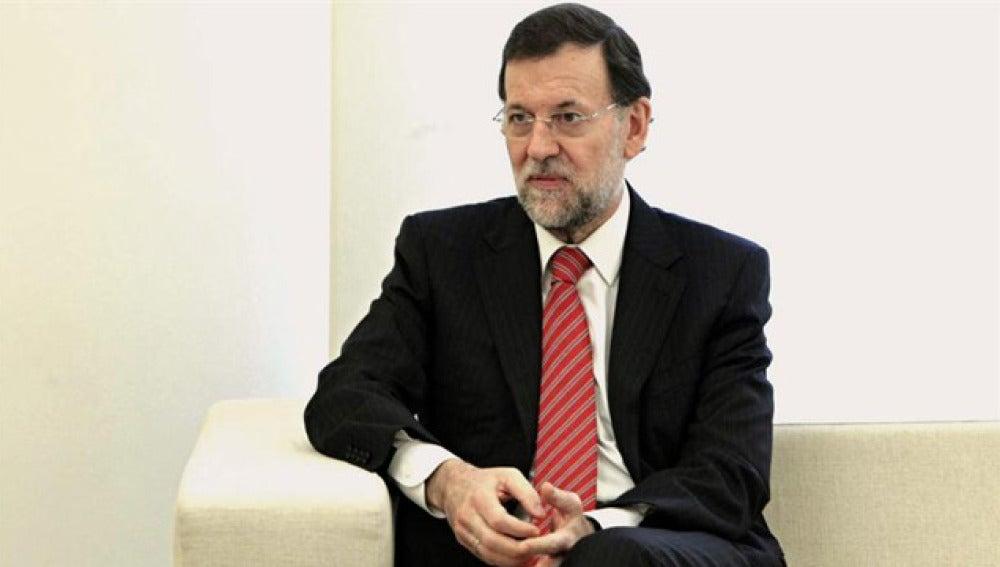 Rajoy en un momento de su reunión con Barcina