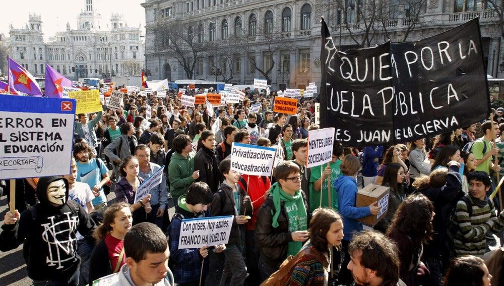 Los estudiantes protestan en Madrid