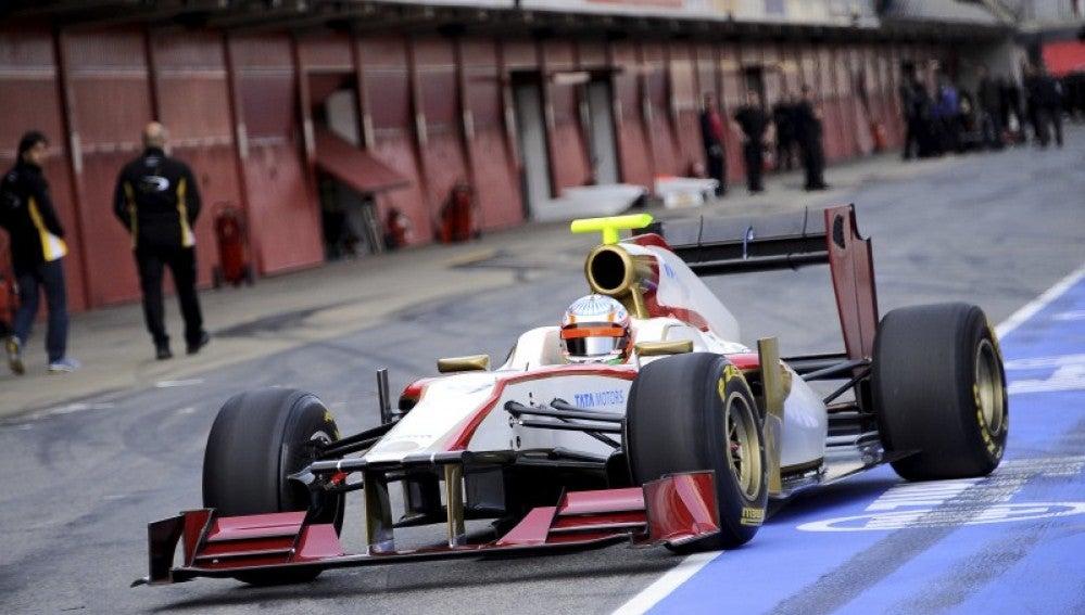 Karthikeyan rueda con el F112