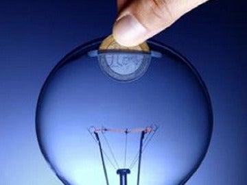 Podría subir el precio de la luz en abril
