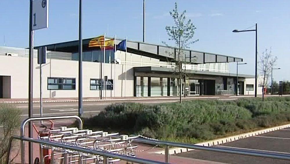 21 pasajeron pasaron por el aeropuerto de Huesca en seis meses