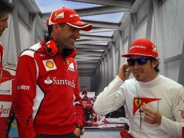 Alonso, junto a Marc Gené
