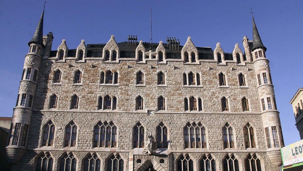 Palacio de Botines, sede de Caja España-Duero, en León