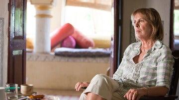 Penelope Wilton es Jean. Solo piensa en volver a casa