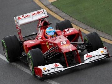 El F2012 de Alonso en los primeros libres