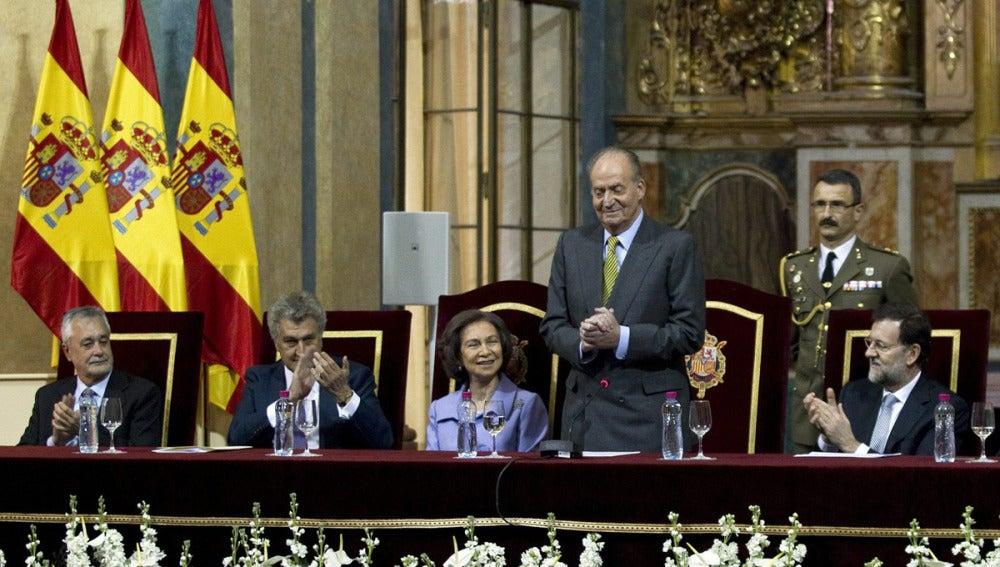 El rey Don Juan Carlos preside los actos del bicentenario de la Constitución de Cádiz