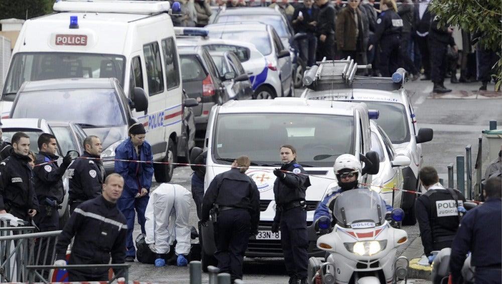 La policía francesa acordona la escuela judía de Toulouse