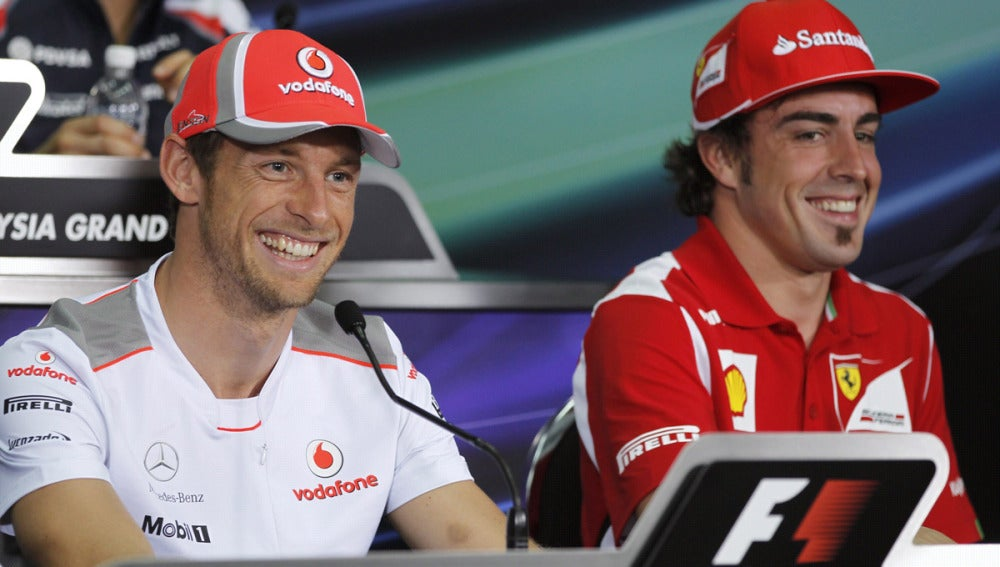 Alonso y Button, en rueda de prensa