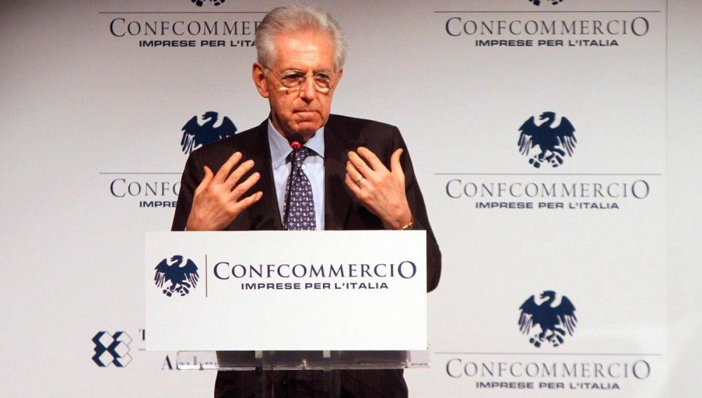 Mario Monti durante el encuentro en Cernobbio, Italia