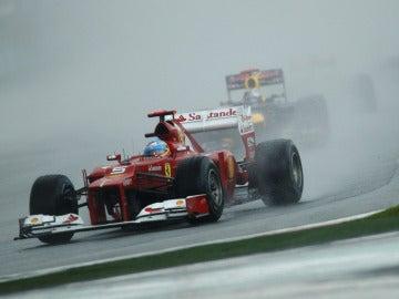 Alonso, bajo la lluvia de Sepang