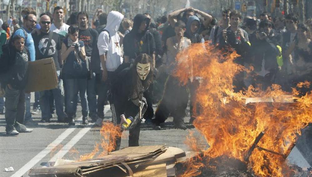 Violentos enfrentamientos en Barcelona