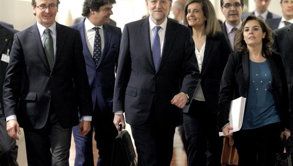 Mariano Rajoy junto a miembros de su Gobierno