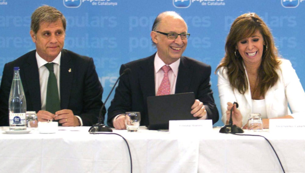 Cristóbal Montoro, en  una reunión con el PP catalán