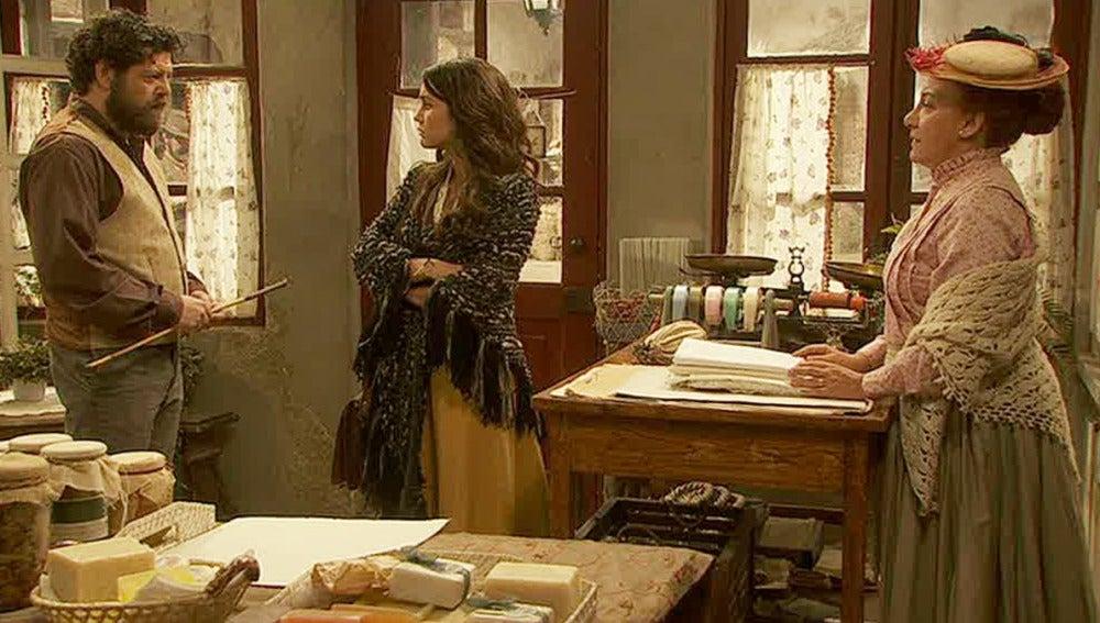 Pepa le confiesa a Mauricio y Dolores que Olmo es un asesino