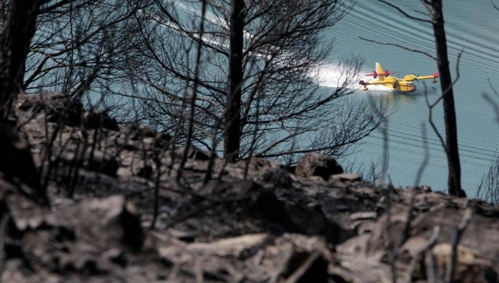 Hidroavión en el Incendio de Tuéjar
