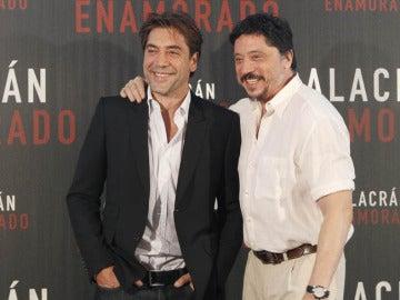 Javier Bardem con su hermano Carlos.