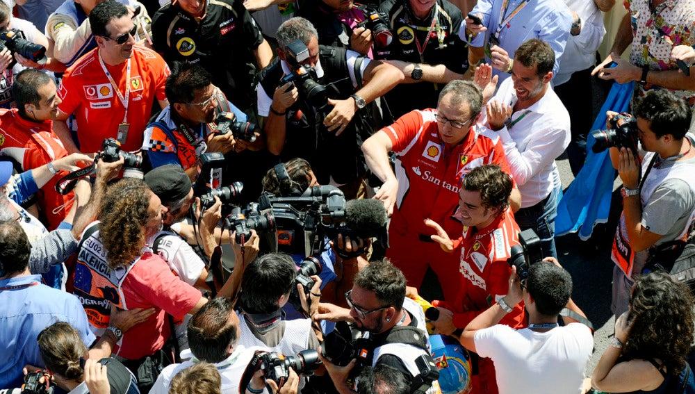 Alonso atiende a los medios