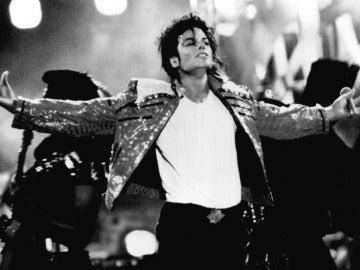 Michael Jackson durante una de sus actuaciones