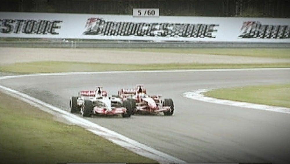 La pasada de Alonso a Massa