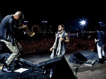 Lenny Kravitz suena elegante