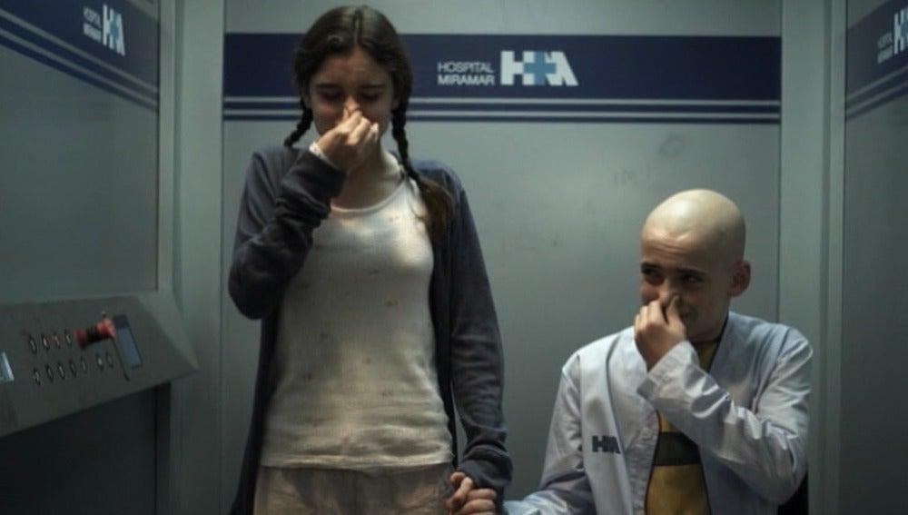 Cristina y Jordi en el ascensor