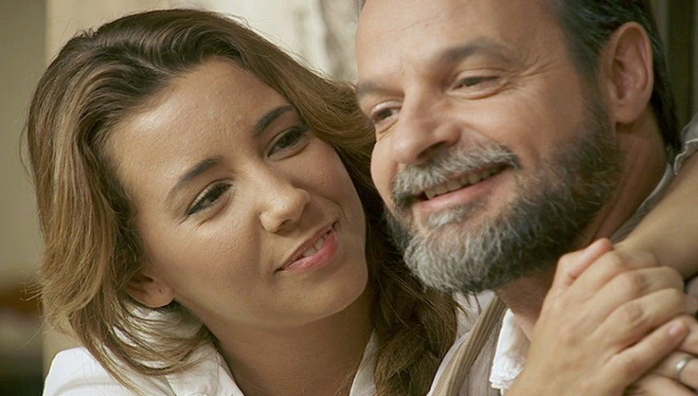 Raimundo le regala la Casa de Comidas a Emilia y Alfonso