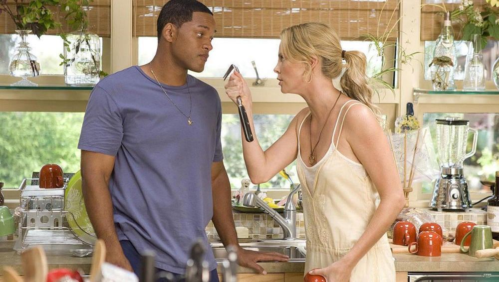 En 'Hancock', Charlize Theron acompañaba a Will Smith.