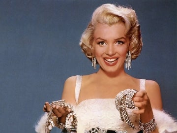 Marilyn Monroe cargada de diamantes