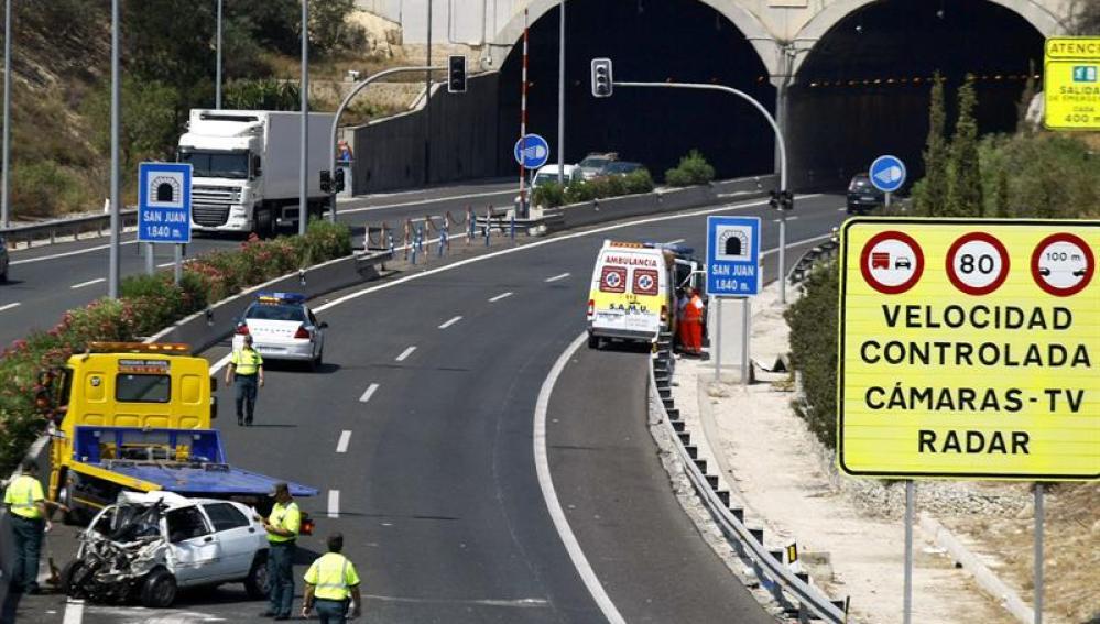 Fallecen 14 personas en las carreteras españolas