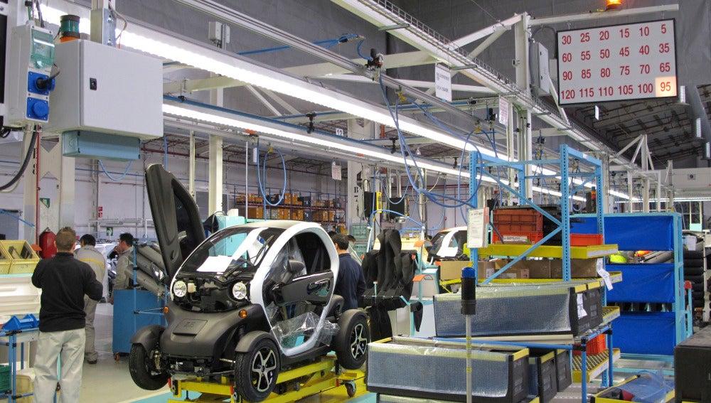 La producción industrial cae