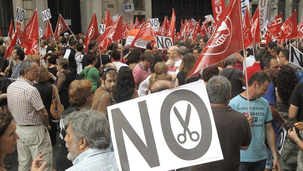 Protestas de funcionarios frente a Hacienda
