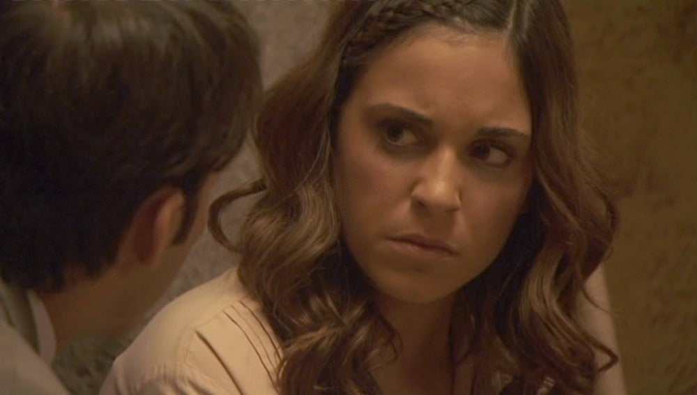 Mariana evita a Antonio