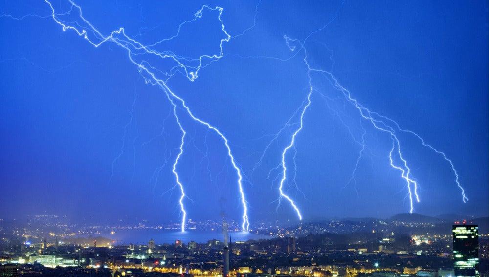 Tormenta eléctrica en Zúrich (24-08-2012)