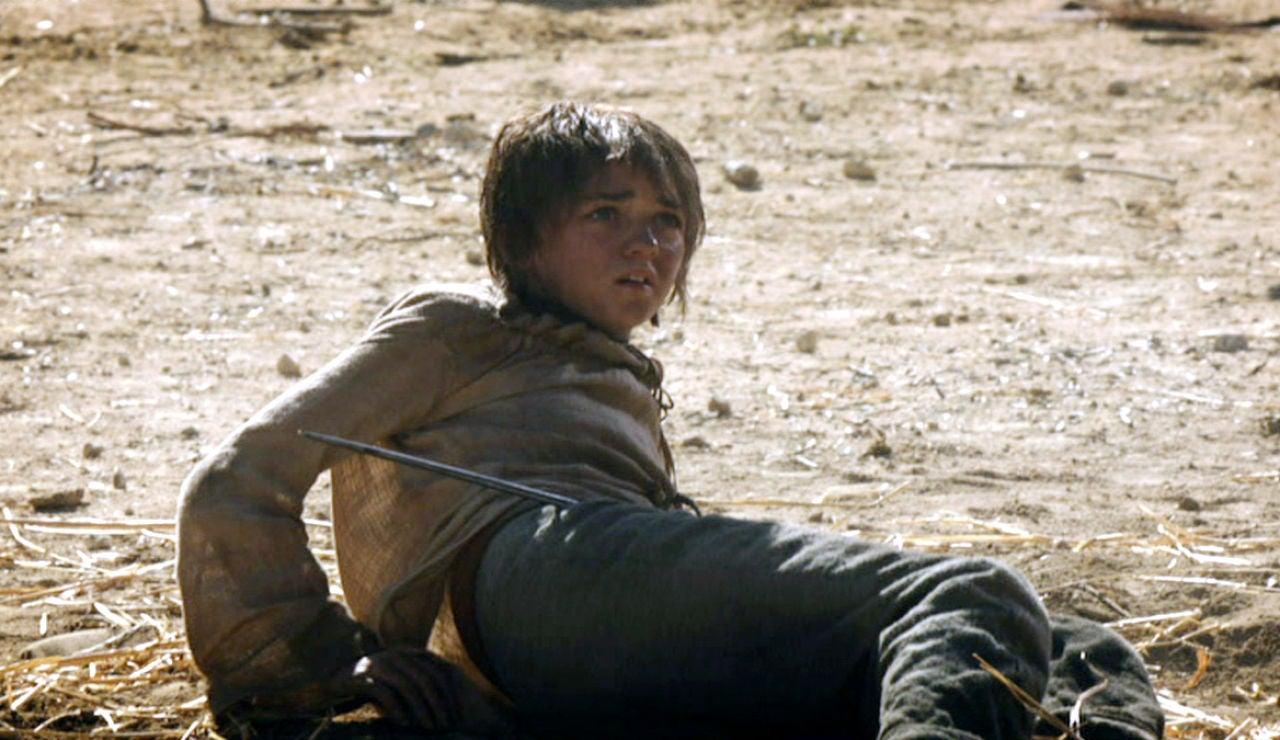 Arya huye de Desembarco del Rey
