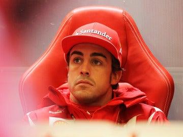 Alonso, en el box.