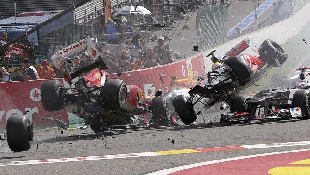 Alonso y Hamilton, por los aires