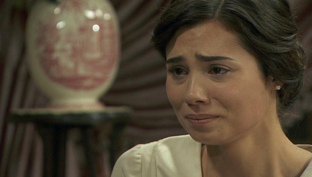 María confiesa a Mariana haberse enamorado de Gonzalo