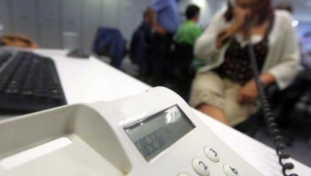 Las compañías telefónicas amenazan a sus clientes con incluirles en la lista de morosos